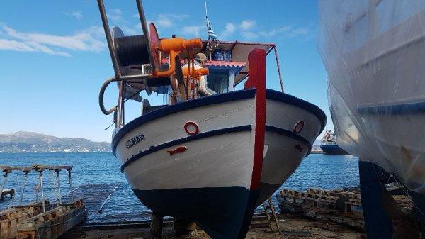 Πωλείται επαγγελματικό αλιευτικό καΐκι