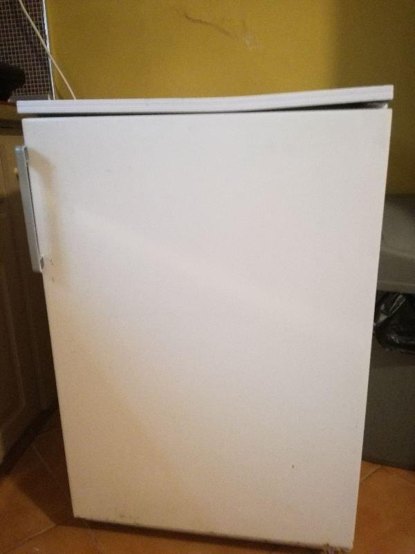 Πωλούνται ψυγεία