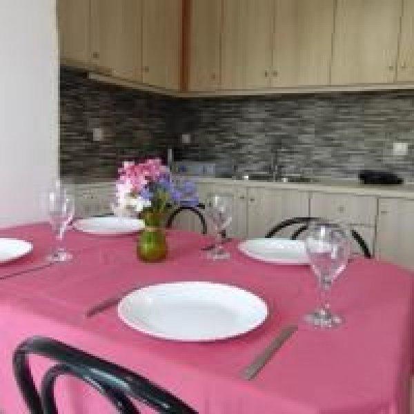 Ενοικιάζεται διαμέρισμα στην Κάτω Κορακιάνα