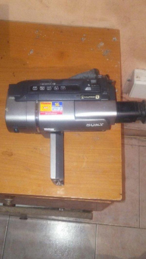 Πωλείται βιντεοκάμερα