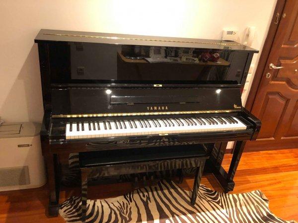 Πωλείται πιάνο Yamaha U1A