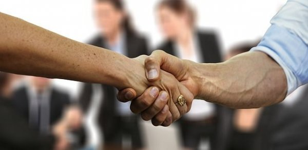 Ζητούνται συνεργάτες από νεοσύστατο μεσιτικό γραφείο