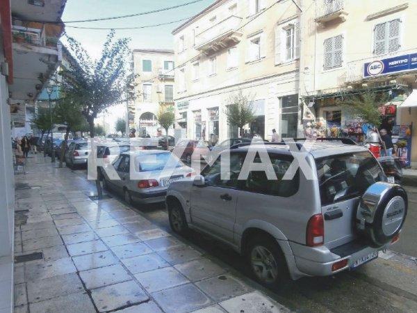 Πωλείται επιχείρηση στην πλατεία Σαρόκο από τη Re/Max Reale