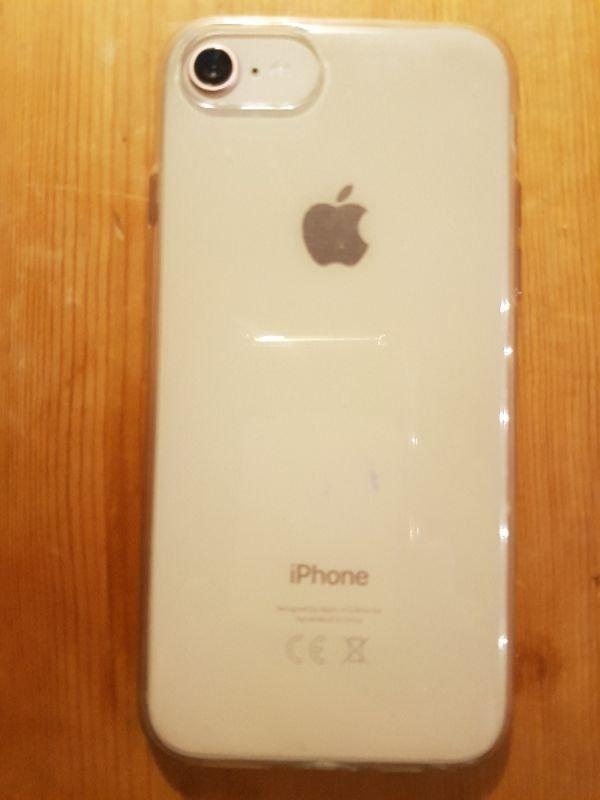 Πωλείται iPhone 8 gold 64GB