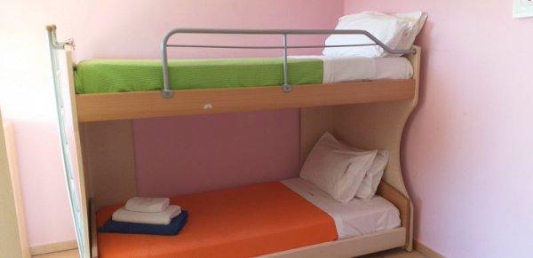 Πωλούνται κρεβάτια κουκέτα παιδικά
