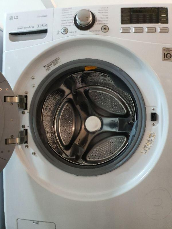 Πωλούνται πλυντήριο και στεγνωτήριο