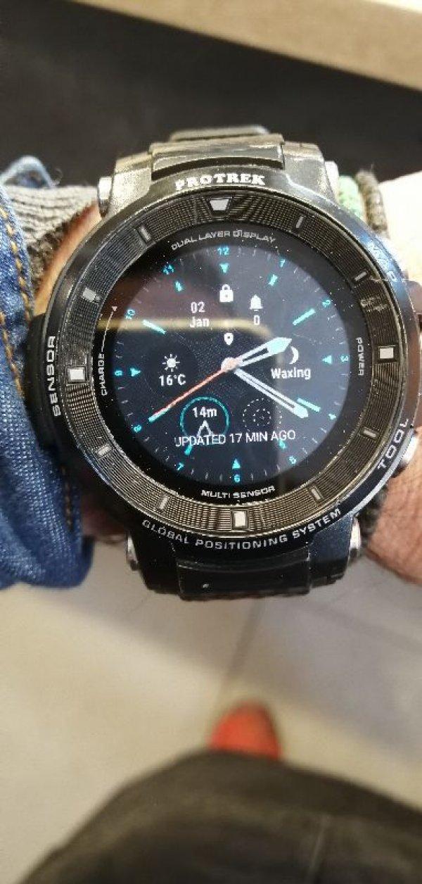 Πωλείται Smartwatch Casio Protrek