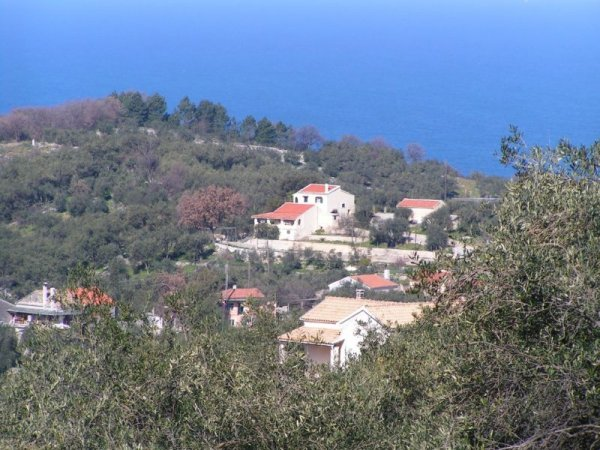 Πωλείται οικόπεδο στον Άγιο Μαρτίνο Αχαράβη