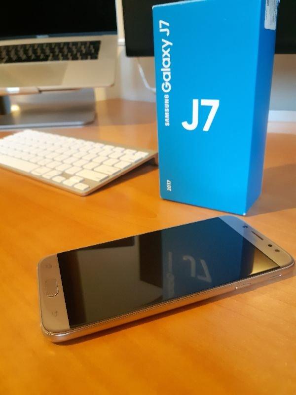 Πωλείται Samsung Galaxy J7 Duos