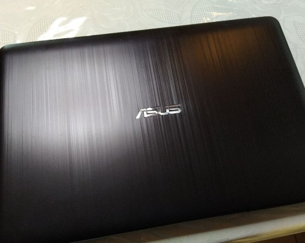 Πωλείται asus Laptop