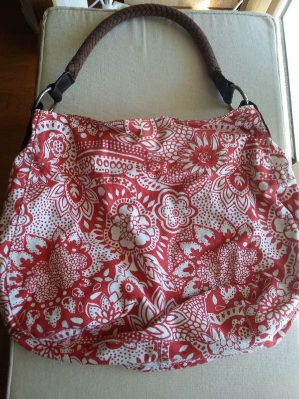 Πωλούνται γυναικείες τσάντες