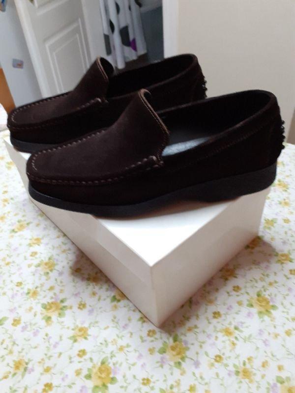 Πωλούνται ανδρικά παπούτσια