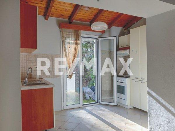 Πωλείται μονοκατοικία στην πόλη από τη Re/Max Reale