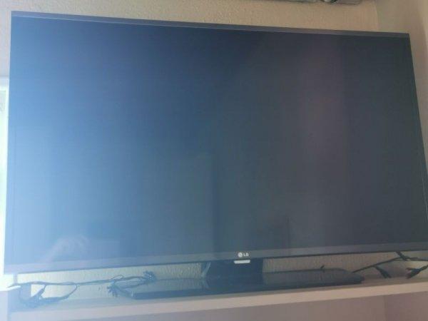 Πωλείται plasma tv LG 41'