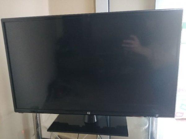 Πωλείται τηλεόραση