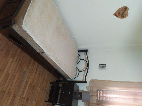 Πωλούνται κρεβάτι και γωνιακός καναπές