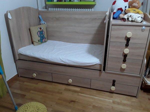 Πωλείται κούνια-κρεβάτι, σιφονιέρα