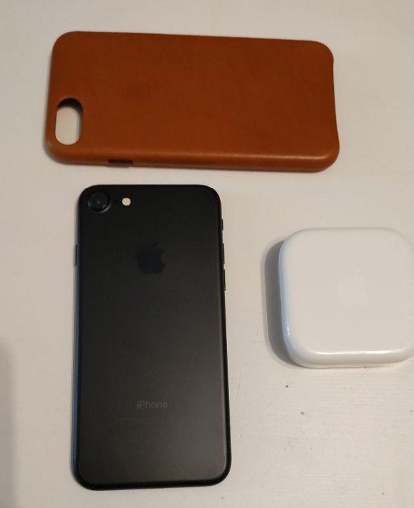 Πωλείται Iphone 7 Black 32gb