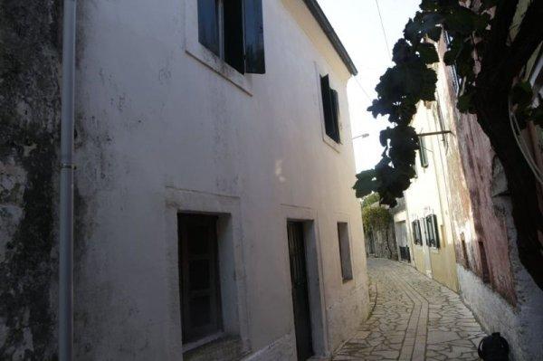 Πωλείται μονοκατοικία στο Σωκράκι