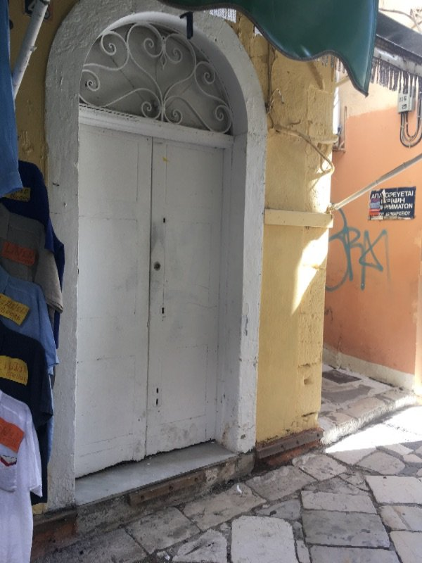 Ενοικιάζεται κατάστημα στην παλιά πόλη