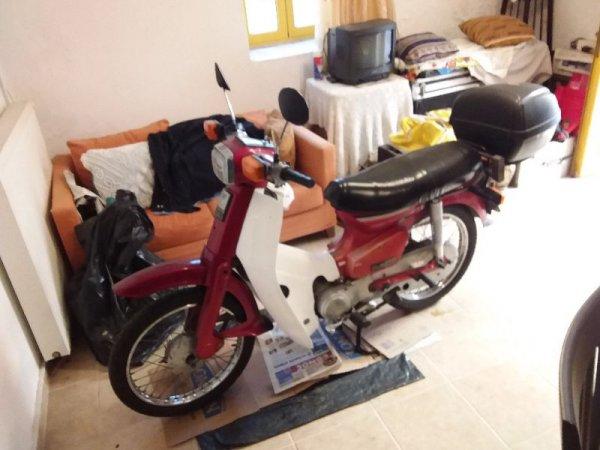 Πωλείται παπί Honda 90cc