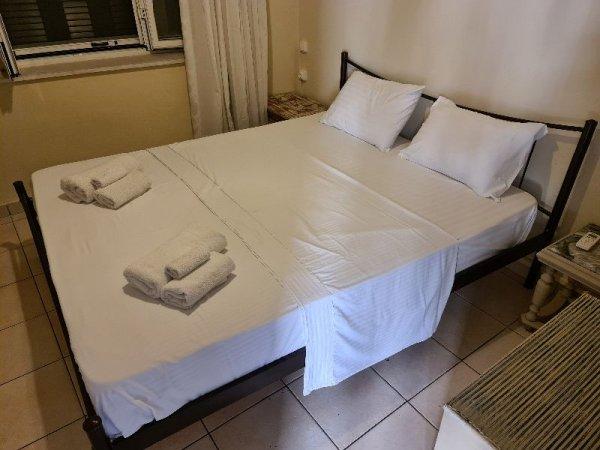 Πωλείται κρεβάτι με στρώμα