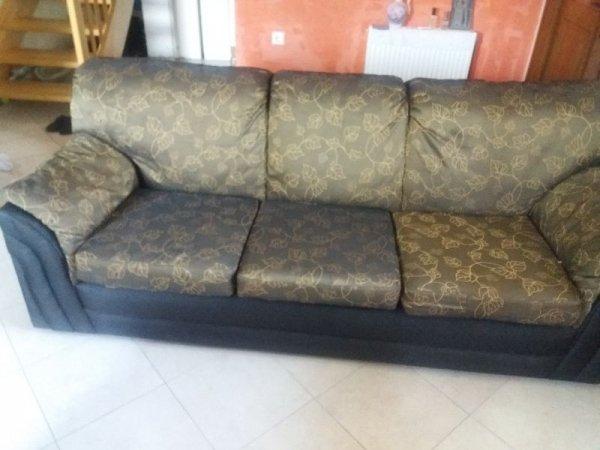 Πωλείται καναπές και πολυθρόνα