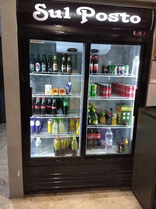 Πωλείται ψυγείο αναψυκτικών