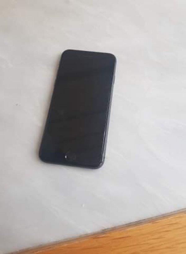 Πωλείται iPhone8 64 GB