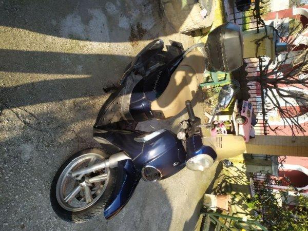 Πωλείται aprilia scarabeo 200