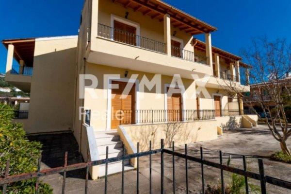 Πωλείται ξενοδοχείο στο Πυργί από τη RE/MAX Reale