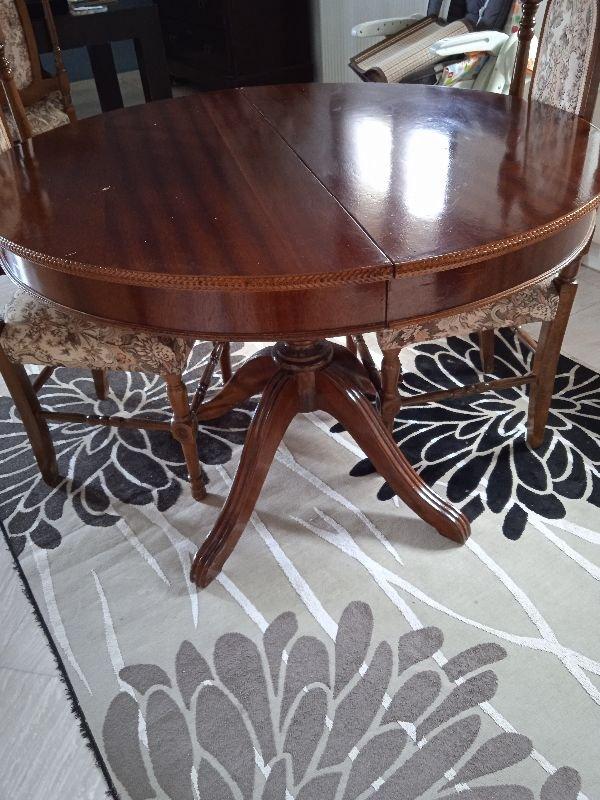 Πωλείται τραπέζι