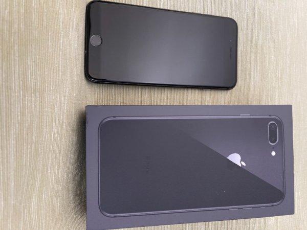 Πωλείται Iphone 8 Plus 64