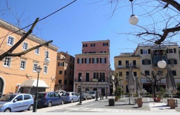 Διατίθεται πανοραμικό διαμέρισμα στην πλατεία Νέου Φρουρίου