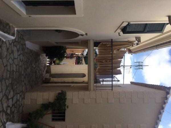 Πωλείται διαμέρισμα στους Σιναράδες