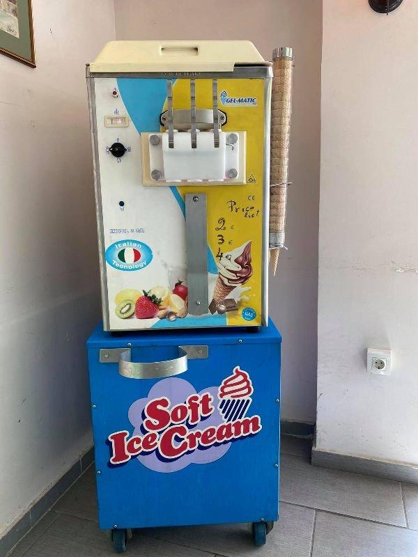 Πωλείται μηχανή soft ice-cream