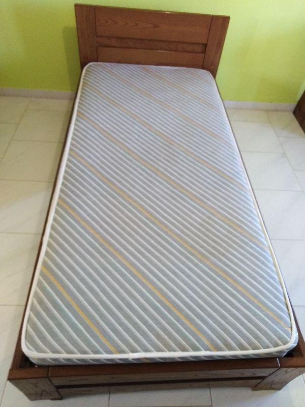 Πωλούνται μονά κρεβάτια