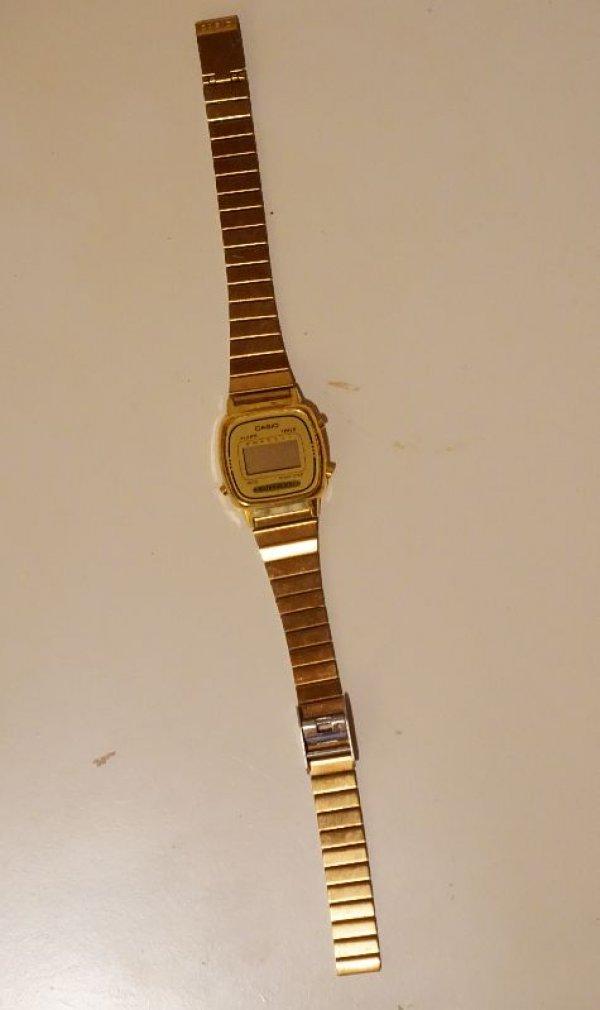 Πωλείται ρολόι