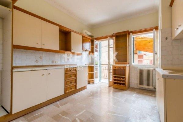 Πωλείται διαμέρισμα στη Γαρίτσα από τη RE/MAX Reale