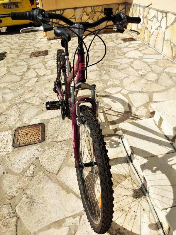 Πωλείται γυναικείο ποδήλατο