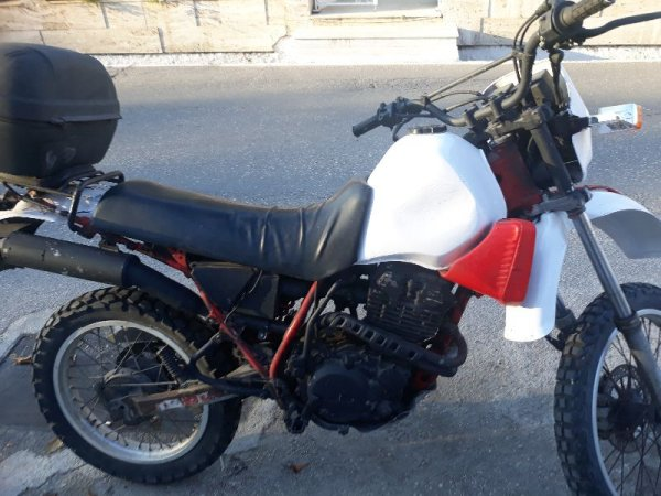 Πωλείται Yamaha XT