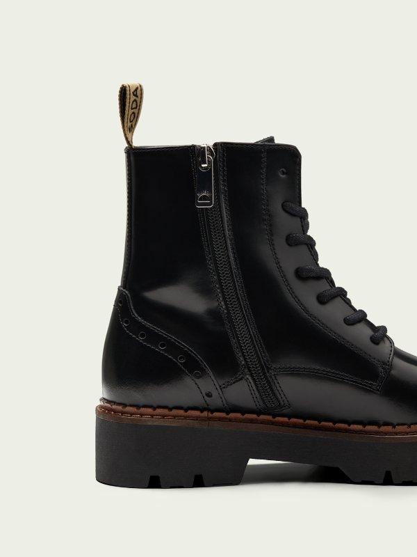 Πωλούνται Scotch & Soda leather boots