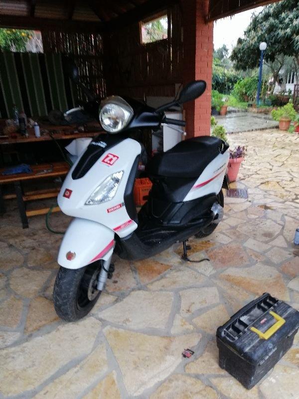 Πωλείται scooter derbi boulevard 50 2t