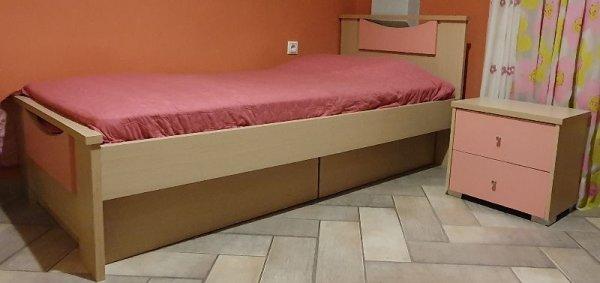 Πωλείται παιδικό κρεβάτι για κορίτσι