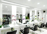 Novi's Salon