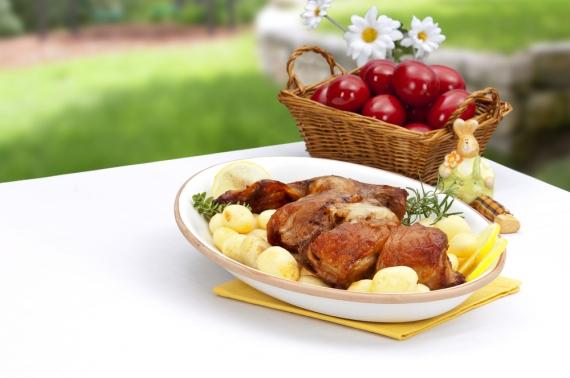 Κυριακή του Πάσχα παραδοσιακά σε εστιατόρια της Κέρκυρας