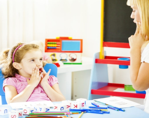 Πότε ένα παιδί χρειάζεται λογοθεραπεία;