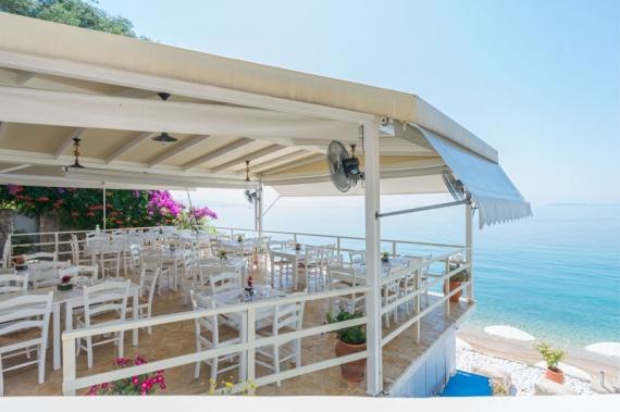 Taverna Glyfa: Γευστικές εμπειρίες πάνω στο κύμα