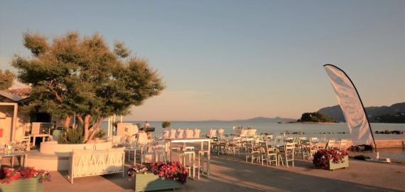 Exclusive Events δίπλα στη θάλασσα στο Flisvos Seaside