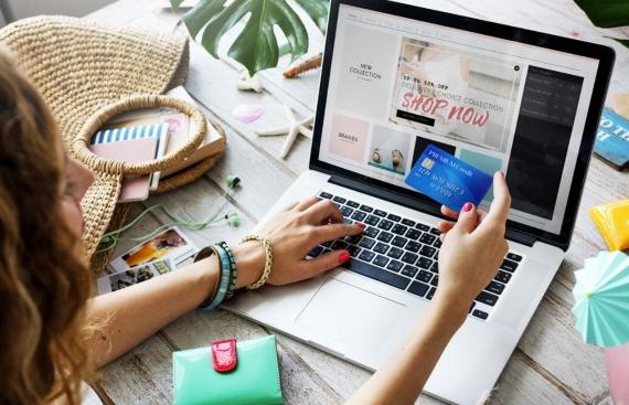 Μένουμε ασφαλείς: Κερκυραϊκά e-shops για να κάνετε online τις αγορές σας